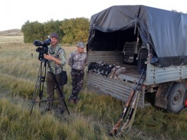 06c-cameraman-seasons-preparation-materiel-petits-tetras-chasse-kazkhstan-ovini-expeditions.JPG