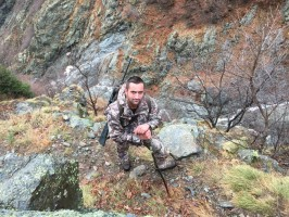 1-01chasse-chamois-steve-condition-physique-ovini-expeditions.JPG