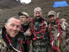 5g-chasseurs-guide-honeurs-nepalais-chasse-blue-sheep-ovini-expeditions.jpg