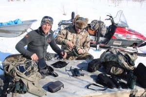 a-4-a-ovini-expeditions-Kamtchatka-chasse-extreme-ours-materiel.jpg