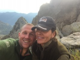 a1-anthony-denise-selfie-chasse-gibier-montagne_ovini-expeditions -.jpg