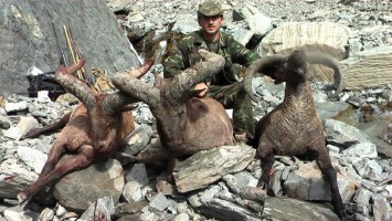 belle-journee-chasse-tur-azerbaidjan-ovini-expeditions.jpg