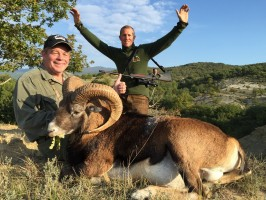 c-mouflon-alpes-haute-provence-brian-guide-anthony-ovini-ovini-expeditions.jpg