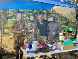 camp-a-table-chasse-moose-caribou-anthony-ovini-ovini-expeditions.jpg