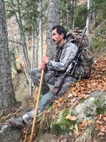 concentration-avant-effort-luc-alphand-chasse-chamois-alpes-du-nord-ovini-expeditions.JPG