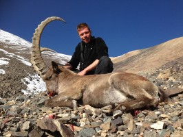 ovini-expeditions-chasse-kirghizstan-trophee-ibex.jpg