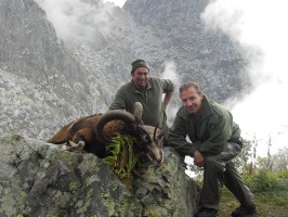 ovini-expeditions-double-chamois-mouflons.JPG