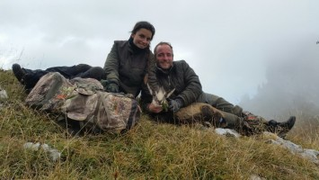 r-ovini-expeditions-chasse-chamois-tir-qualitatif-1ere-fois-maxime-justine.jpg