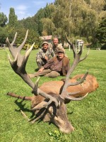 z-record-trophee-cerf-chasse-brame-chasse-ovini-expeditions.jpg