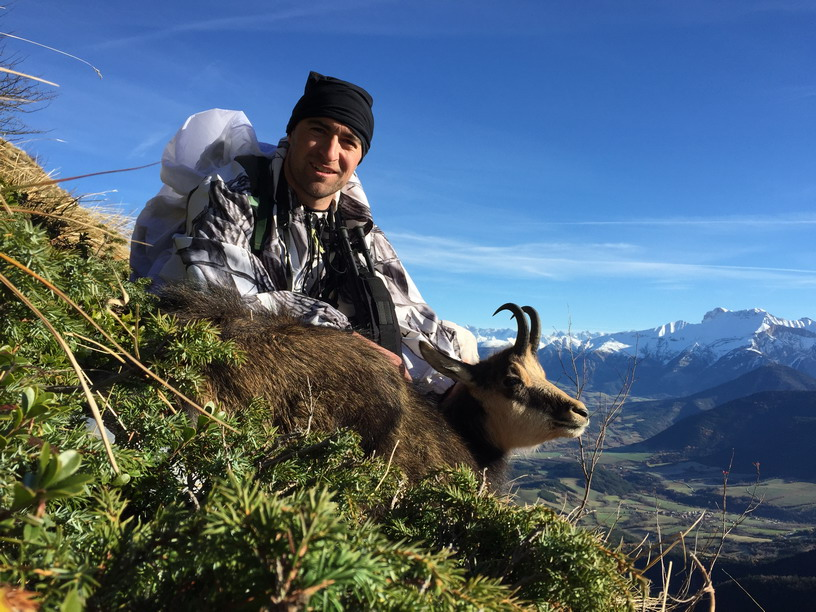 beau-male-chamois-vercors-ovini-expeditions